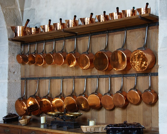 how to organize pots and pans in drawers